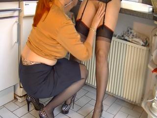 Lesbo-Schlampen in der Küche