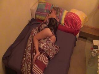 Nachts halb Zehn im Schlafzimmer